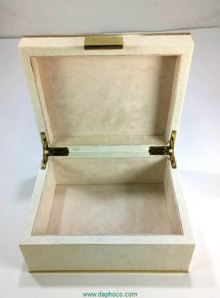 Faux shagreen jewellry box