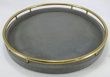 Faux raffia round tray with circle brass handles in Light Grey color